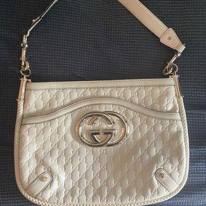 COPY - 100% authentic BRITT TASSEL GUCCI bag.